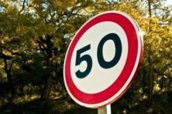 znak-drogowy-ograniczenie-do-50-km-300x200 (1)
